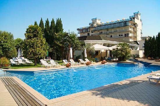 Hotel Grand Torino: piscina