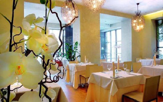 NasHotel: Restaurant