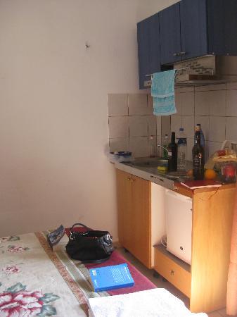 Matala View Pension : Küchenzeile Zimmer 8