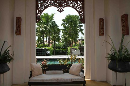 Siripanna Villa Resort & Spa: entrance to pool area