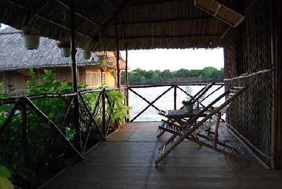Mekong Floating House: Terrace