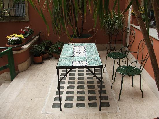 Hotel Casa Valdese Roma: Entrata 2