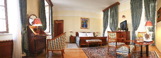 Hotel Kazbek: Kazbek Deluxe Room