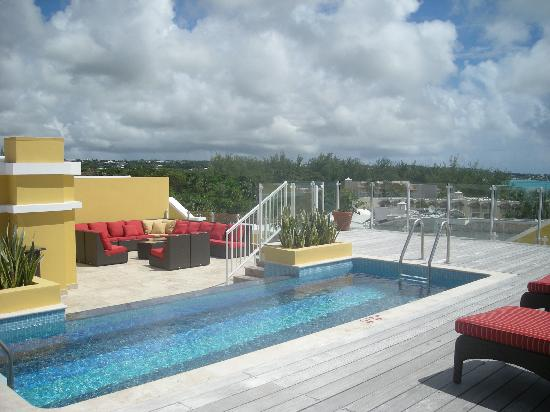 Ocean Two Resort & Residences: roof top pool