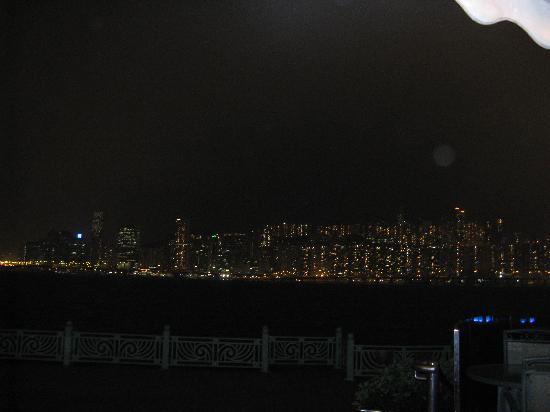 Harbour Grand Kowloon: vue d'une chambre