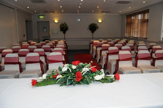 Holiday Inn Chester South: The main function room set for my wedding ceremony