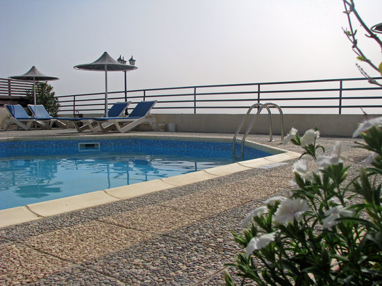 Hill View Hotel Apartments: swimming pool