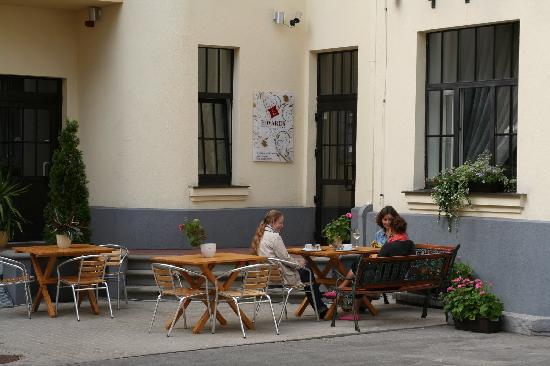 Hotel Edvards: Exterior_2