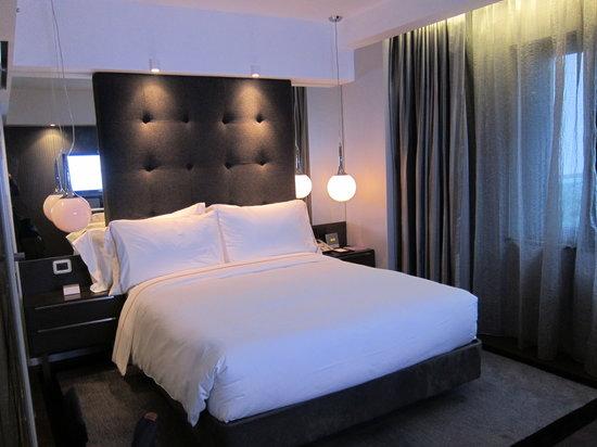 The Mira Hong Kong: Nice romantic room