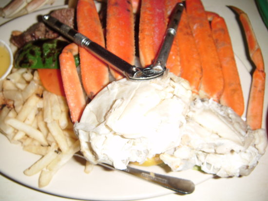 Photo of American Restaurant Half Shell at 676 W Diversey Pkwy, Chicago, IL 60657, United States