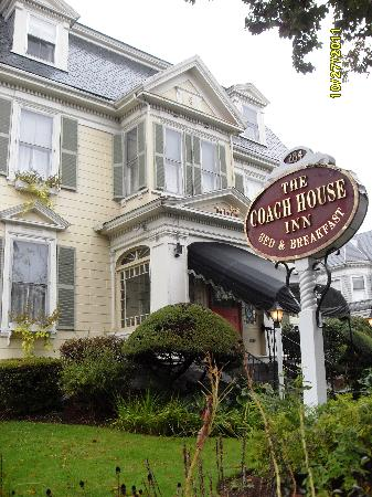 Coach House Inn: Beautiful B&B