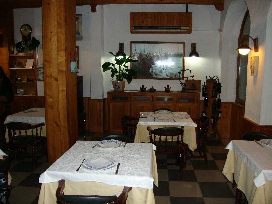 Restaurante Hotel Almadraba: en el centro