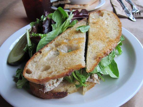 Marin Sun Farms: Chicken Avocado Sandwich