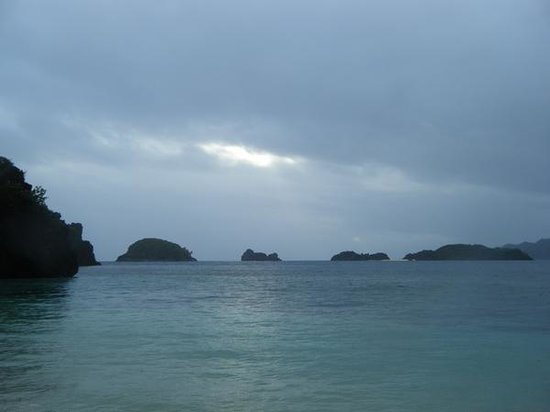 how to go to caramoan from legazpi