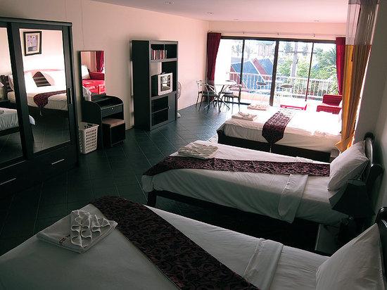 Dengs Kamala Resort : 50m2 rum för större sälskap.