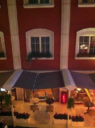 Adora Hotel: vista camera 102