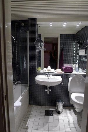 Grand Hotel: Heated tile floor!
