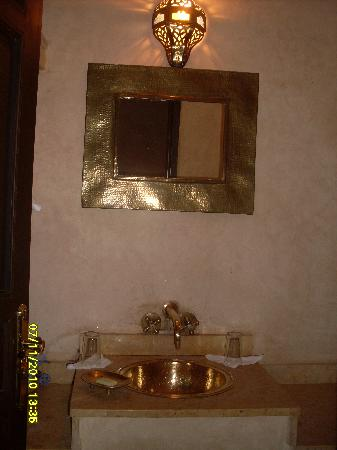 Riad Alwane: particolare del bagno