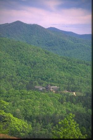 Brasstown Valley Resort & Spa with surrounding mountains