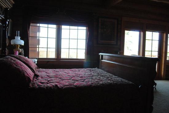 Dapple-Gray Bed & Breakfast : Cozy Room