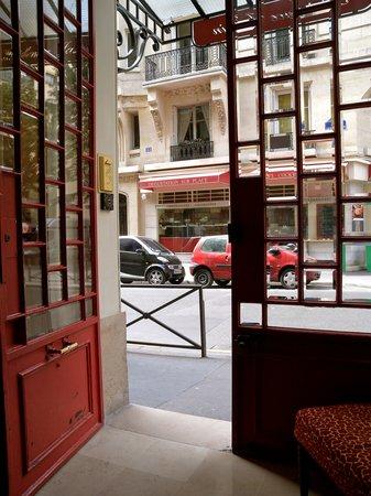 16號巴黎之家酒店照片