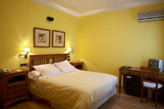 Hotel Juanito: Todas las habitaciones están climatizadas, Wi-Fi gratuito, pantallas LCD 26'', canal +, más de 4