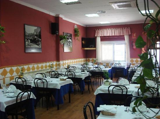 Restaurante La Torre: vistas del salon