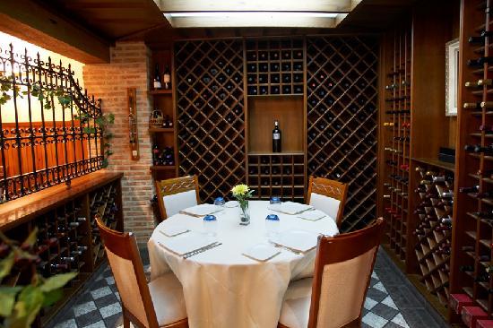 Hotel Juanito: En cualquier rincón de nuestro restaurante disfrutará de una gastronomía excelente