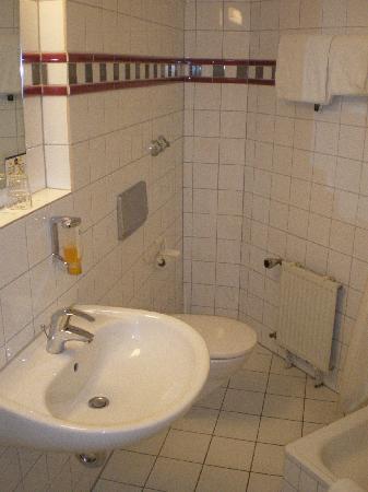 Favored Hotel Domicil: Badezimmer 105