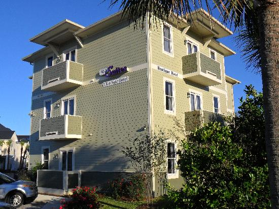 30A Suites: Another shot from the outside
