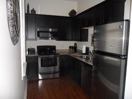 30A Suites: Kitchen