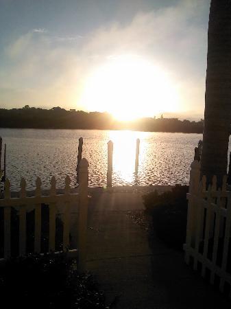 Barefoot Beach Resort: Sunrise from the back patio