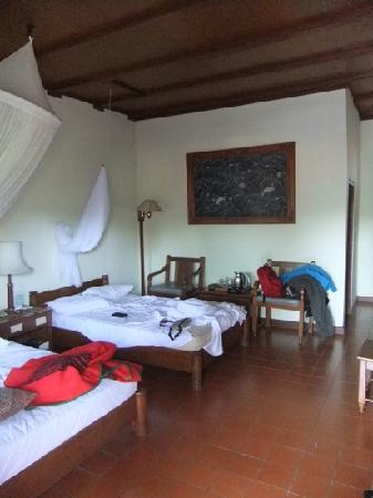 Bumi Ayu Bungalows: superior room 1st floor