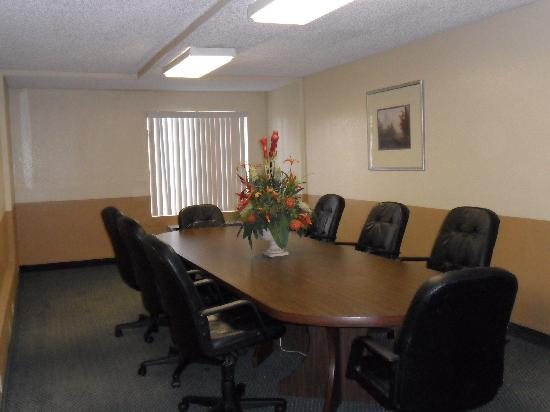Quality Inn & Suites Winter Park Village Area: Boardroom
