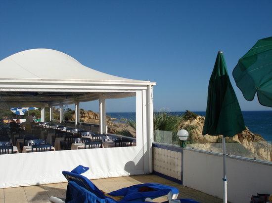 Hotel Alisios: Sonnenterrasse mit Restaurant
