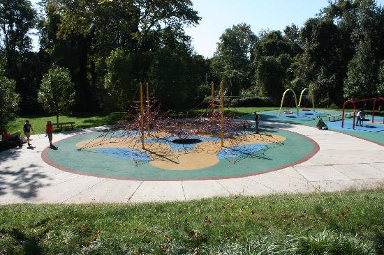 Smith Kids Play Place (Playground & Mansion): A spider web for the older children to climb.