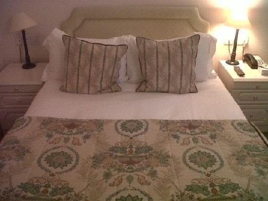 Stanton Manor Hotel: Bedroom decor