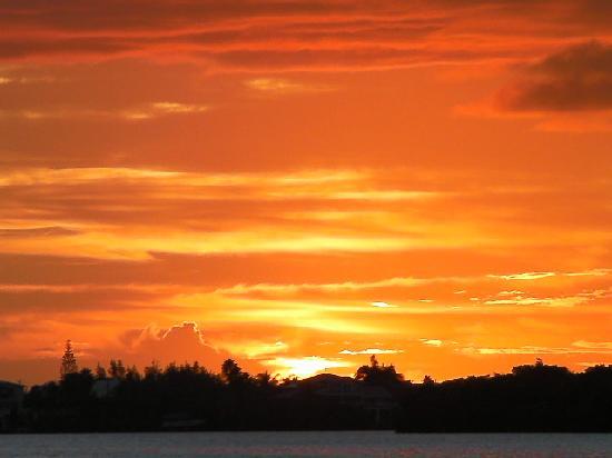 Bay Cove Motel: key largo sunset