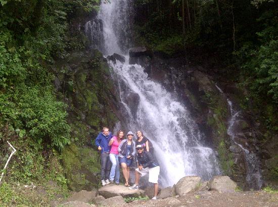 Beyond Adventure Tours: Cascada san Ramón