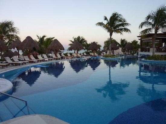 Excellence Playa Mujeres: love the pools