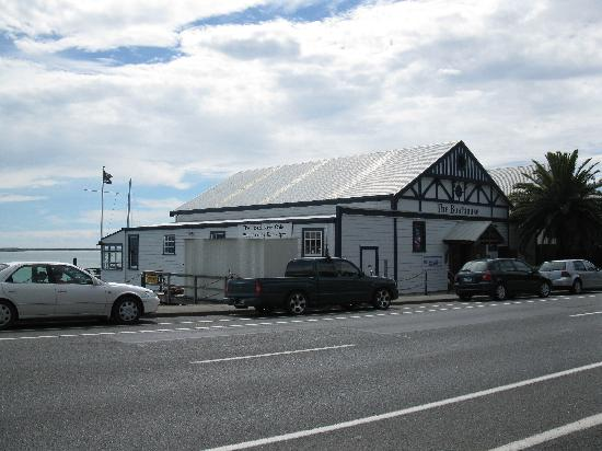The Boathouse Society : View of the Boathouse Cafe in Nelson NZ