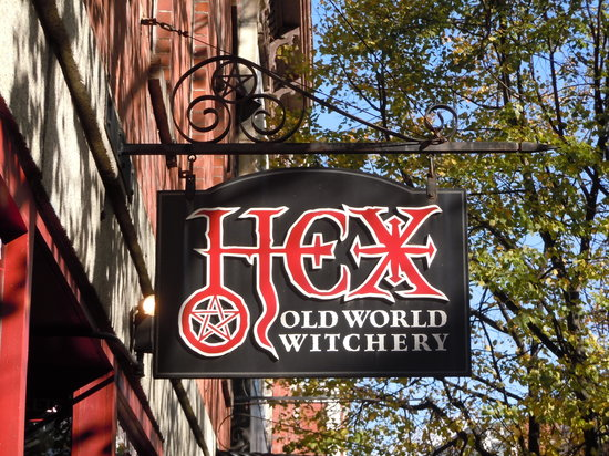 ‪Hex: Old World Witchery‬