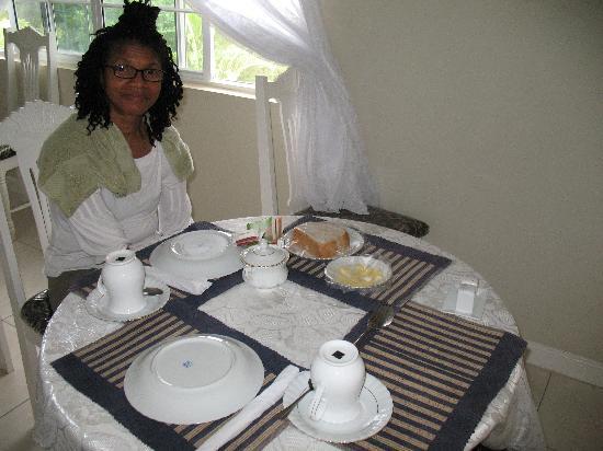 Retreat Guesthouse Luxury Suites: Breakfast