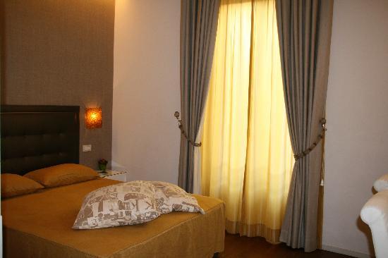 Roma Boutique Hotel: Bedroom