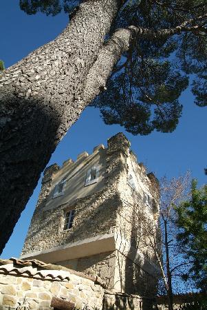 Chateau les Sacristains: Der Turm auf Chateau les Sacristains