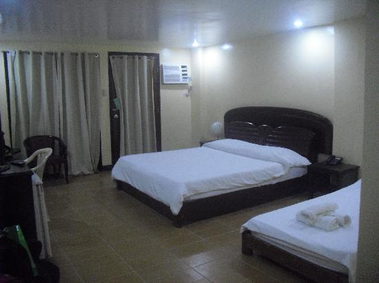Boracay Peninsula Resort: Inner ground floor superior room