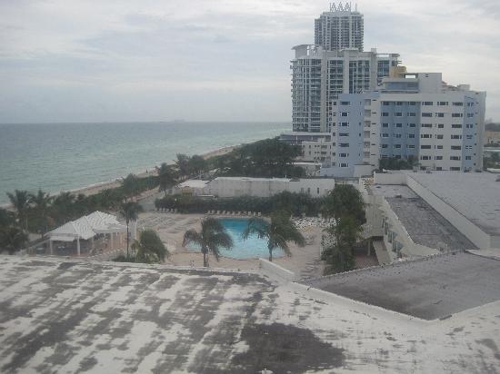 cama king foto de deauville beach resort miami beach. Black Bedroom Furniture Sets. Home Design Ideas