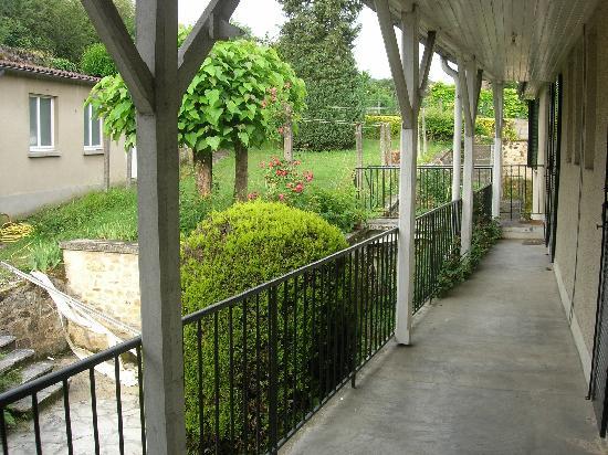 Interhotel Figeac : Jardin
