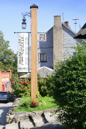 Martinelli: You will find the restaurant by this sign which could be easily seen from the main streetof town