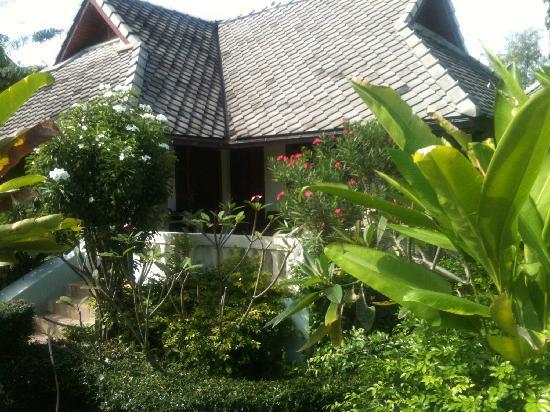 Seashell Resort Koh Tao: Our villa (2 rooms per villa, so you share it)